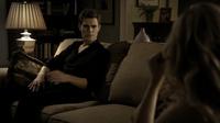 Stefan talking with Caroline 1x3