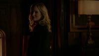 815-047~Damon-Caroline