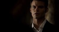 Elijah talking with Hayley 1x19