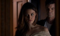 Hayley and Elijah 1x10