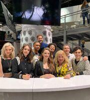 2019-07-19-SDCC-Signing-06-Danielle Rose Russell-Kaylee Bryant-Jenny Boyd-Matt Davis-Julie Plec-Brett Matthews