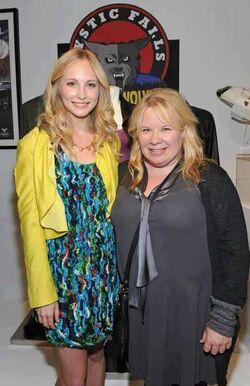 Candice Accola und Julie Plec.jpg