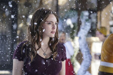 2x08 This Christmas Was Surprisingly Violent-Hope.jpg