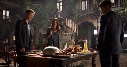 Klaus-Hayley-Elijah 2x03.png