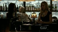 Elena-Lexi-the-vampire-diaries-27171280-400-225.jpg
