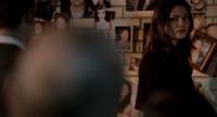 Hayley looking at Elijah 1x22