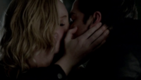 Caroline and Tyler kiss 4x14