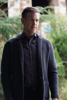 1x01 This is the Part Where You Run-Alaric