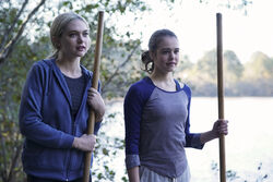 1x10 There's a World Where Your Dreams Came True-Lizzie-Josie.jpg