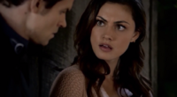 Elijah and Hayley in 1x7....