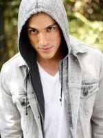 Michael-Trevino-Seventeen-Magazine-tyler-lockwood-16277490-375-500