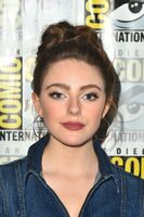 2018-07-20-SDCC-Sitand-02-Danielle Rose Russell
