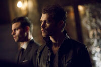 4x13 The Feast of All Sinners-Elijah-Klaus 1
