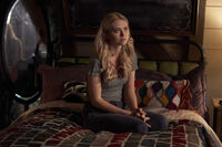 1x04 Hope is Not the Goal-Lizzie