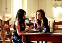 1x04-Family Ties (20)