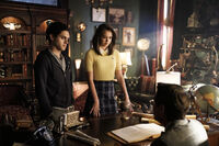 2x07 It Will All Be Painfully Clear Soon Enough-Landon-Josie-Professor Vardemus
