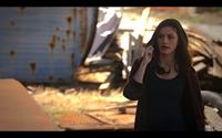 1x19-Hayley calls Klaus