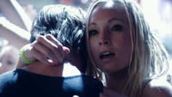 Caroline in the party 6x16-.png