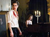 Vampire-Diaries-Stefan-Dinner 320