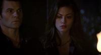 Hayley and Elijah .1x11.