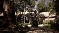 108-Boarding House-Driveway