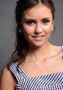 2011 Teen Choice Awards 01 Nina Dobrev