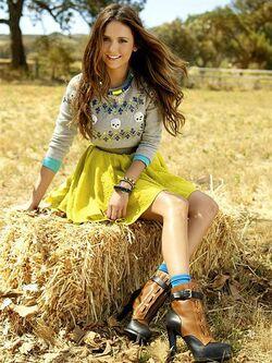Nina Seventeen 1.jpg