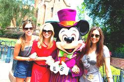 Nina Disney 2.jpg