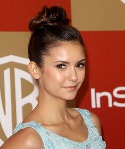 Nina Golden Globes 2013 3.jpg
