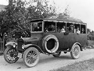Commons-Helsinki-Nurmijärvi bus in Finland in the 1920s