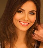 220px-Victoria Justice on Walmart cropped.jpg