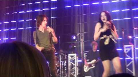 Victoria Justice & Cast - I Want You Back (LIVE)HD