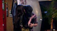 Jade and beck kiss.jpg