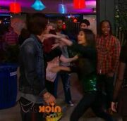 Jade gets crushed bori hug13.jpg