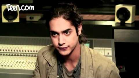 Avan Jogia & Liz Gillies on the Victorious Video Game