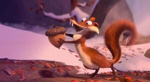 She-has-the-acorn-ice-age-scrat-and-scratte-11617343-640-352