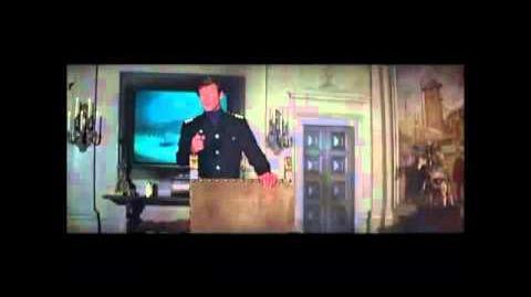 James Bond 007 kills Stromberg (The Spy Who Loved Me 1977)