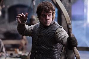 Theon-Greyjoy-theon-greyjoy-34019147-698-466