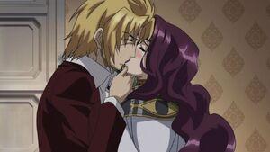 Riser kisses Yubelluna