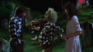 Beetlejuice-movie-screencaps.com-5600