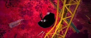 Kingpin crashing into crane