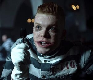 Jerome-Valeska-in-Season-4-gotham-40947971-1080-607