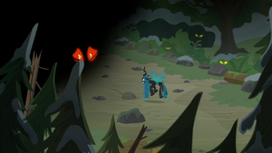 Shadows frightened of Queen Chrysalis S9E8