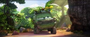 Cars2-disneyscreencaps.com-1493
