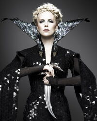 Charlize Theron as Queen Ravenna.jpg