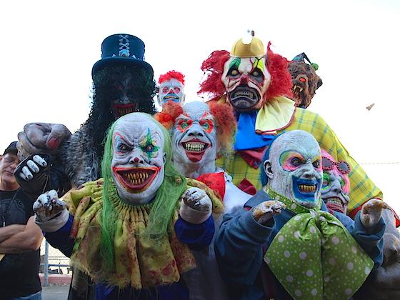 Clowns (Clowns 3D)