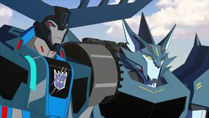Transformers Robots in Disguise 2015 S01 E14 Side (1)
