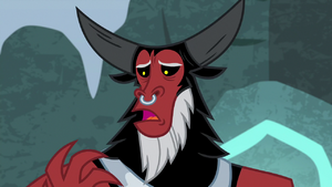 Lord Tirek 'taking power from ponies' S9E8