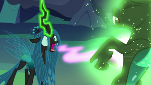 Queen Chrysalis starts feeding on Thorax's love S6E26