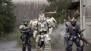 Vrak, Metal Alice and Messenger